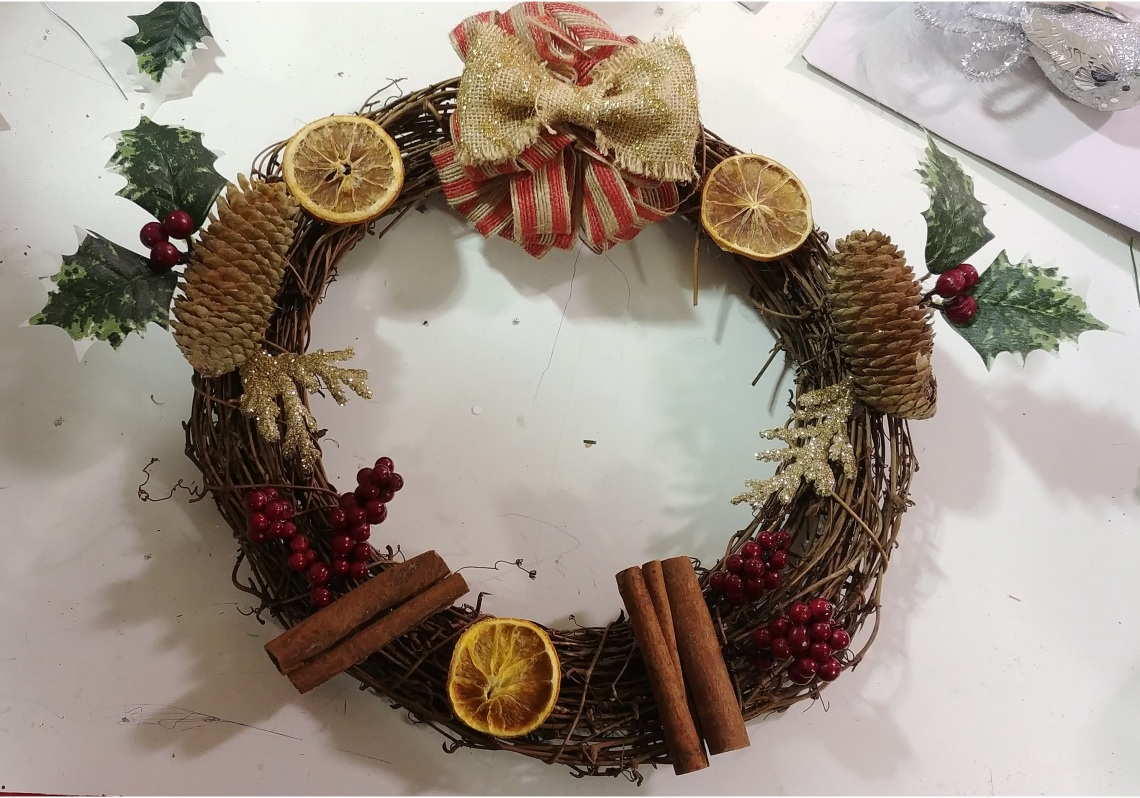 wreath_making_2.jpg